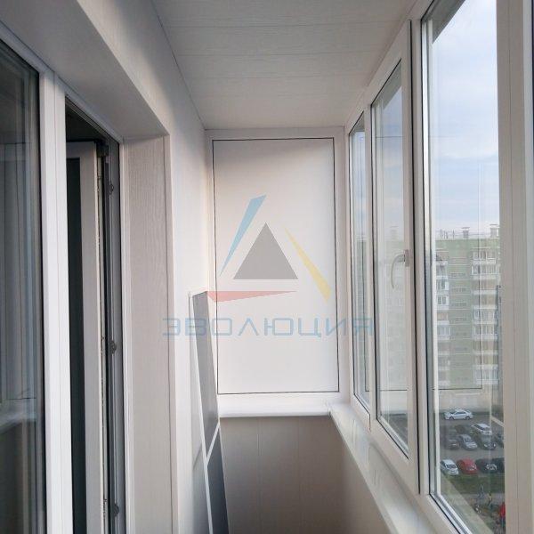 Остекление и отделка балконов в Челябинске